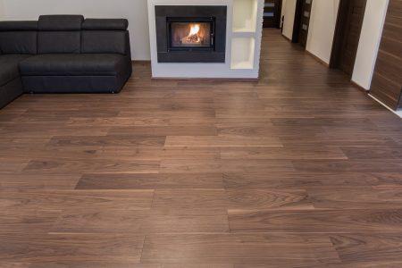 podłoga drewniana orzech amerykański