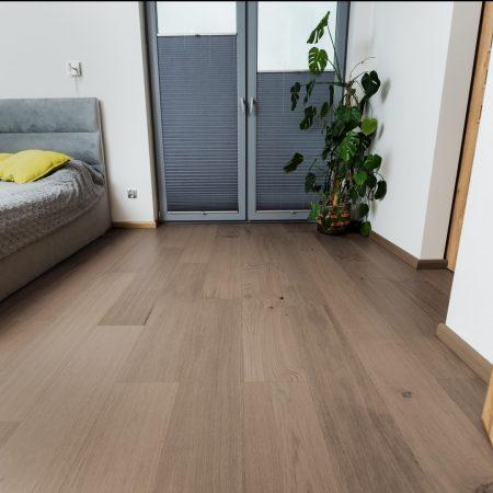 podłoga drewniana dąb nugat