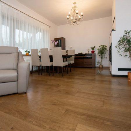 podłoga drewniana dąb złoty