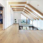 Drewniane panele-biała podłoga