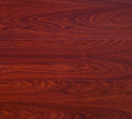 Panele drewniane krwiste-drzewo
