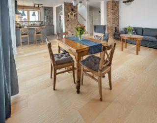 Podłoga drewniana fornirowana jesion biały na żywo zdjęcia