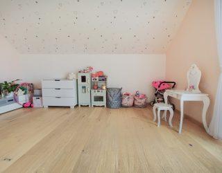 Dąb Pure Venifloor podłoga w sypialni dziecięcej